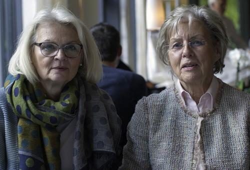 Martina Döbbe und Birgit Dewitz beim Interview im Möwenpick
